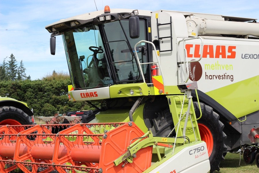 Methven Harvesting (5) - Mid Canterbury Owner / Operator Agricultural Contractor