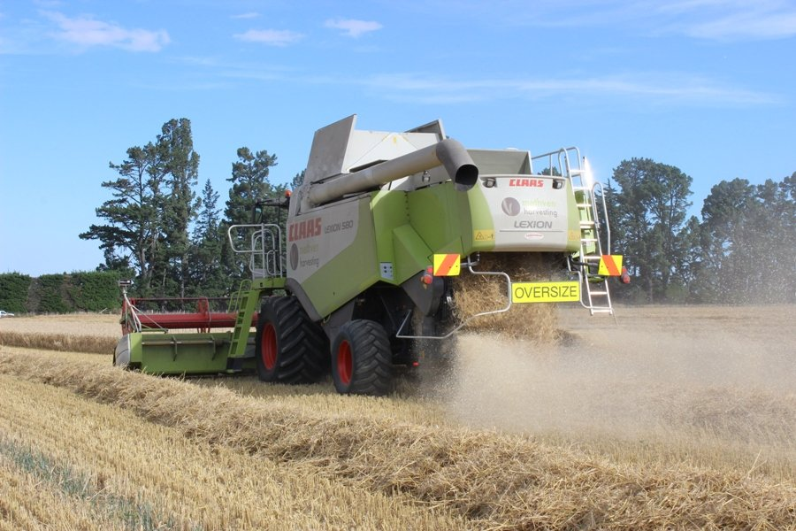 Methven Harvesting (4) - Mid Canterbury Owner / Operator Agricultural Contractor